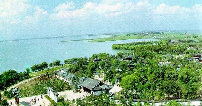 山湖景色简笔画