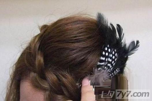 韩式学生发型扎法 侧边发扎法步骤