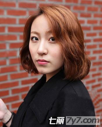 最新流行的韩式冬季短发烫发发型