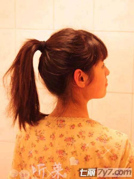 长头发怎么扎:超详扎发图解教你打造可爱丸子头