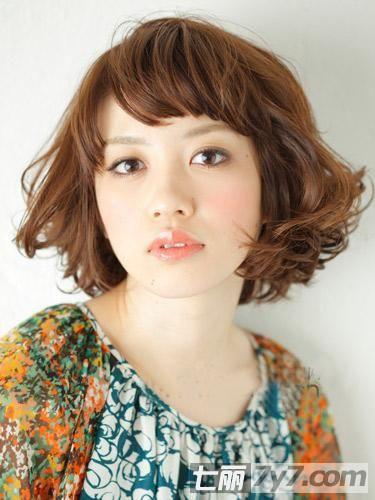 2012短发烫发发型 教你怎样用头发改变脸型
