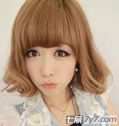 2012可爱短发发型 甜美女生最适合的圆脸发型图片