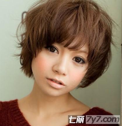 2012可爱短发发型 甜美女生最适合的圆脸发型