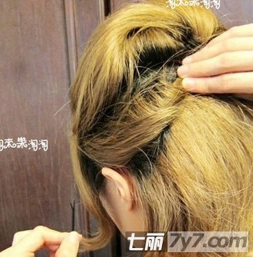短发怎么扎好看 可爱短发编发教程图解-短发发型-美容