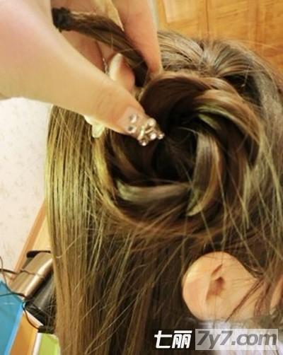 diy减龄瘦脸女生发型 图解2款韩式超简单的发型编发步骤