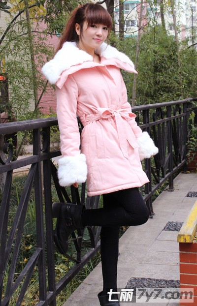 冬季女生显瘦穿衣搭配