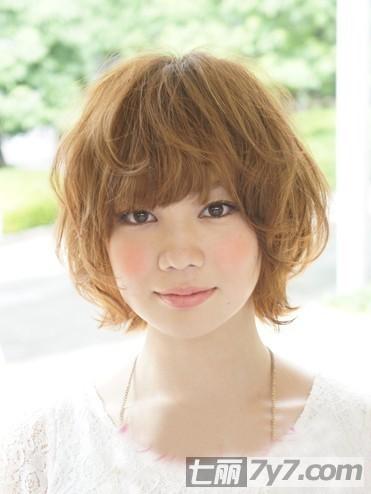 大圆方脸适合什么发型 2013瘦脸短发发型图片推荐图片