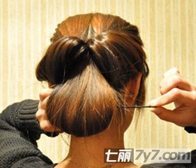 简单的韩式盘发步骤 打造优雅ol气质-diy发型-美容