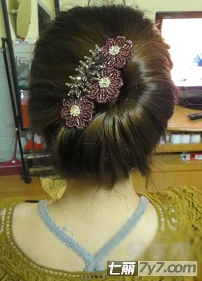 韩式气质盘发步骤 ol族必备发型