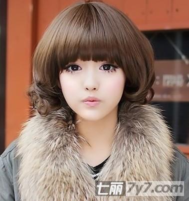 很想要怜惜的感觉,简单的芭比娃娃范短卷发,洋气小可爱的发型减龄满分
