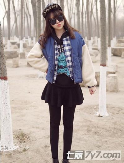 女生短裙+冬装矮个子棉服短款显高穿衣搭配-群女生双子图片