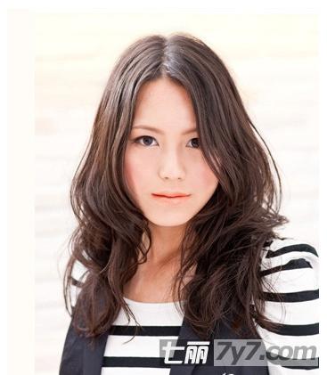 小脸女生适合的发型 梨花头or短发都很好看图片