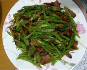 腊肉炒豆角
