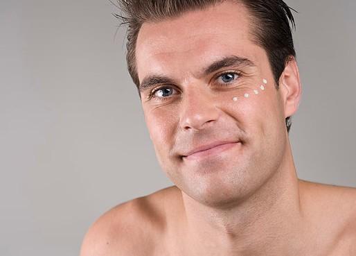 男士秋冬換季肌膚的護理指南